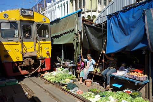 Mae-Klong-Train-Market